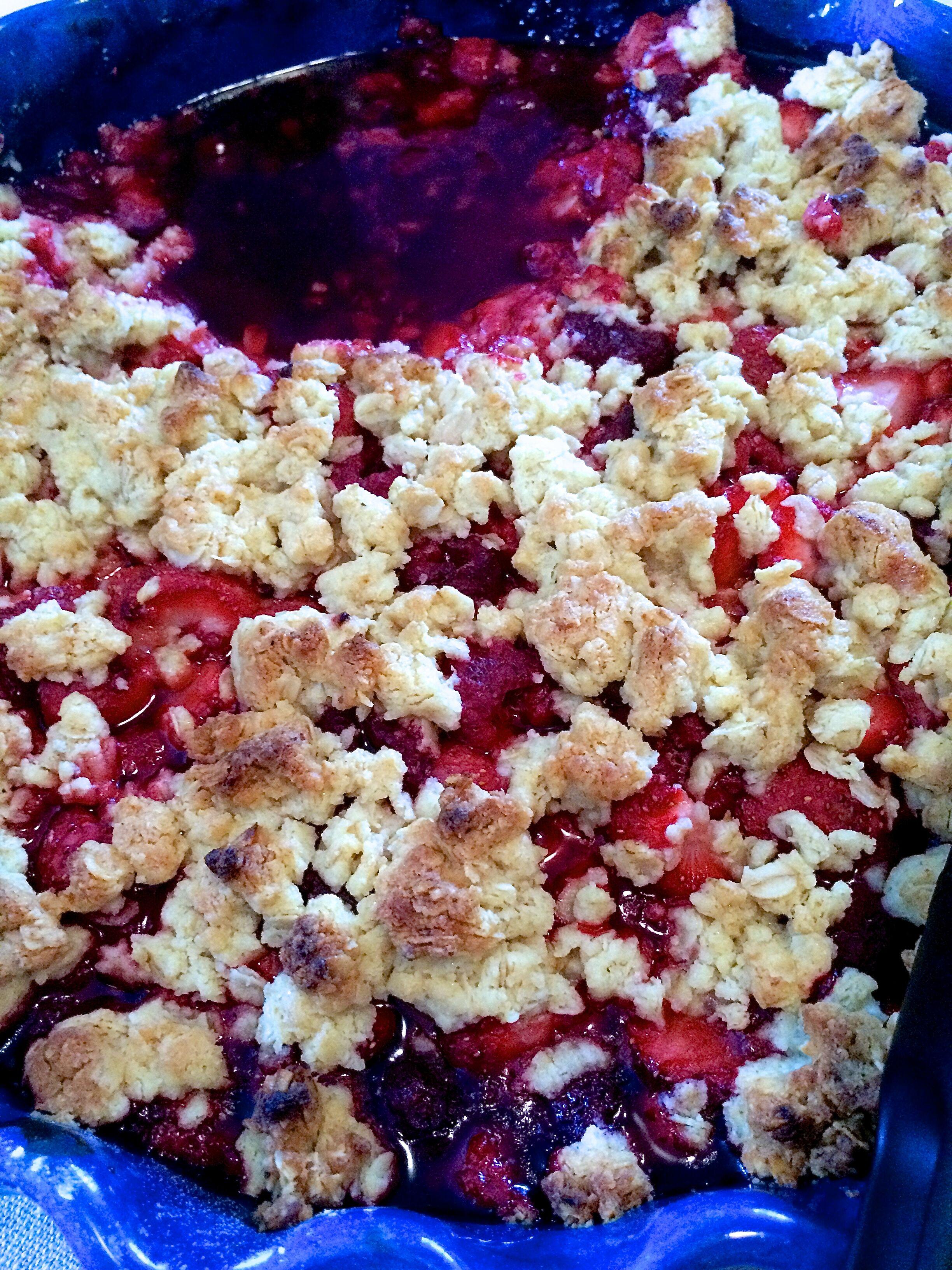 Hallon- och jordgubbspaj Smulpaj