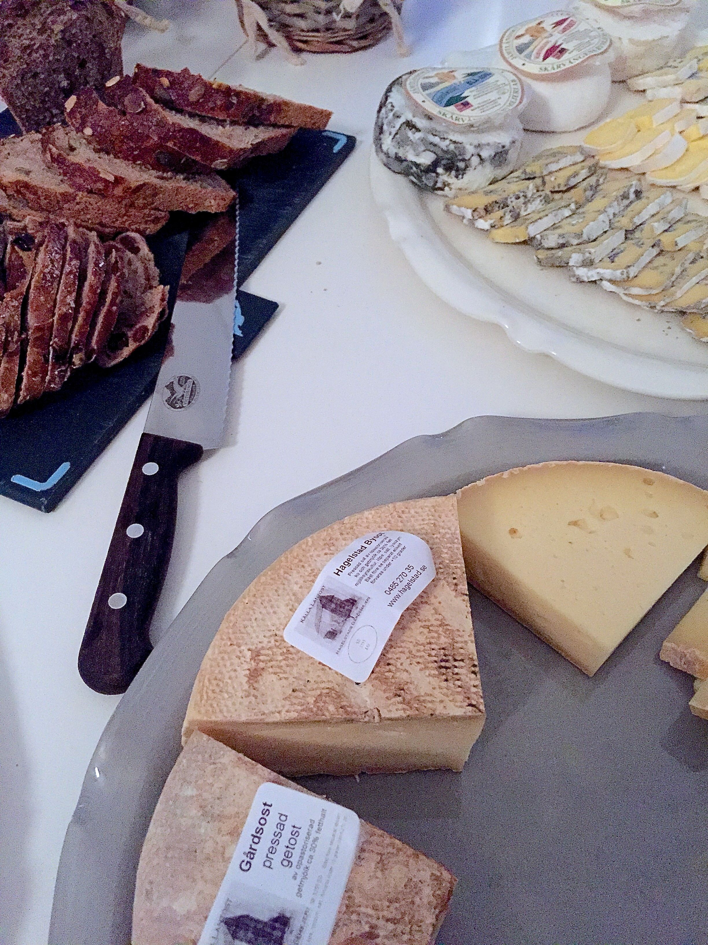 Mathantverk ostar och bröd
