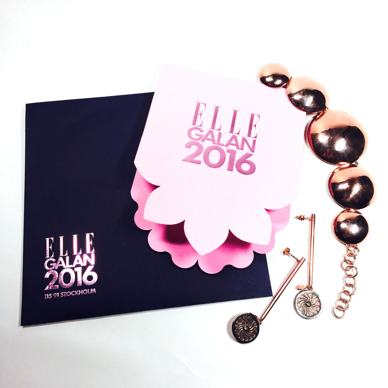 Årets fina inbjudan, och mina snygga smycken från Charlotte Bonde som jag kommer ha på mig på fredag.