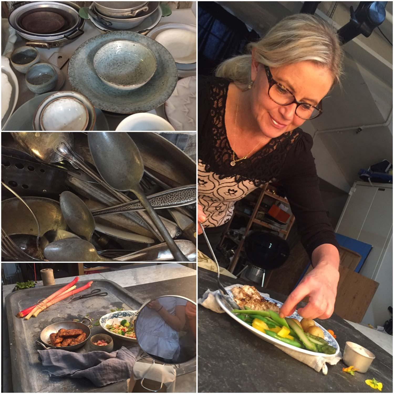 Med fingrarna i maten! Styling av kyckling hos fotograf Mattias Södermark. Känslan i bilderna skulle vara monokrom. Alltså färgerna skulle gå i lite lika toner så maten skulle komma fram ordentligt.