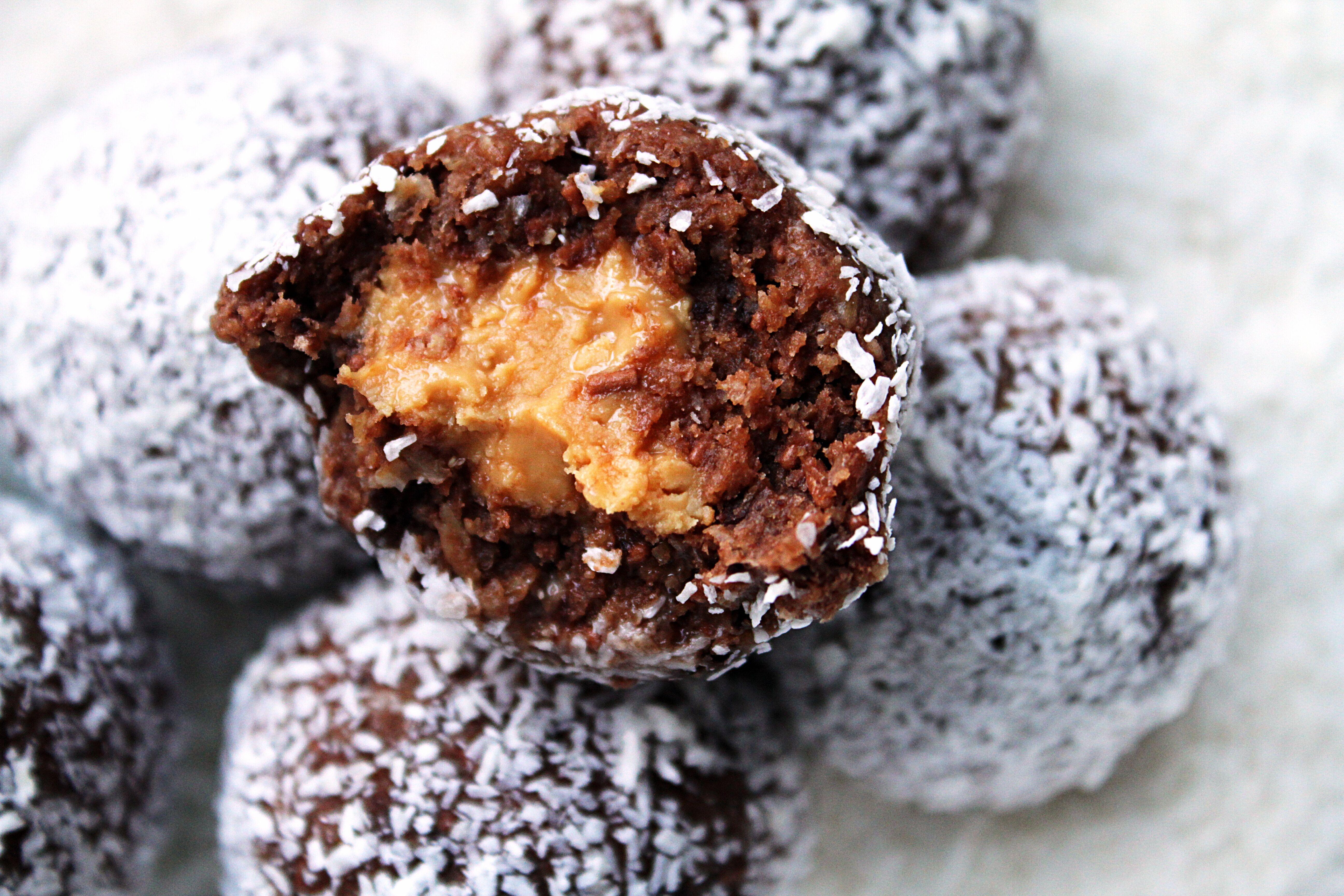 chokladbollar-med-jordnotssmor2