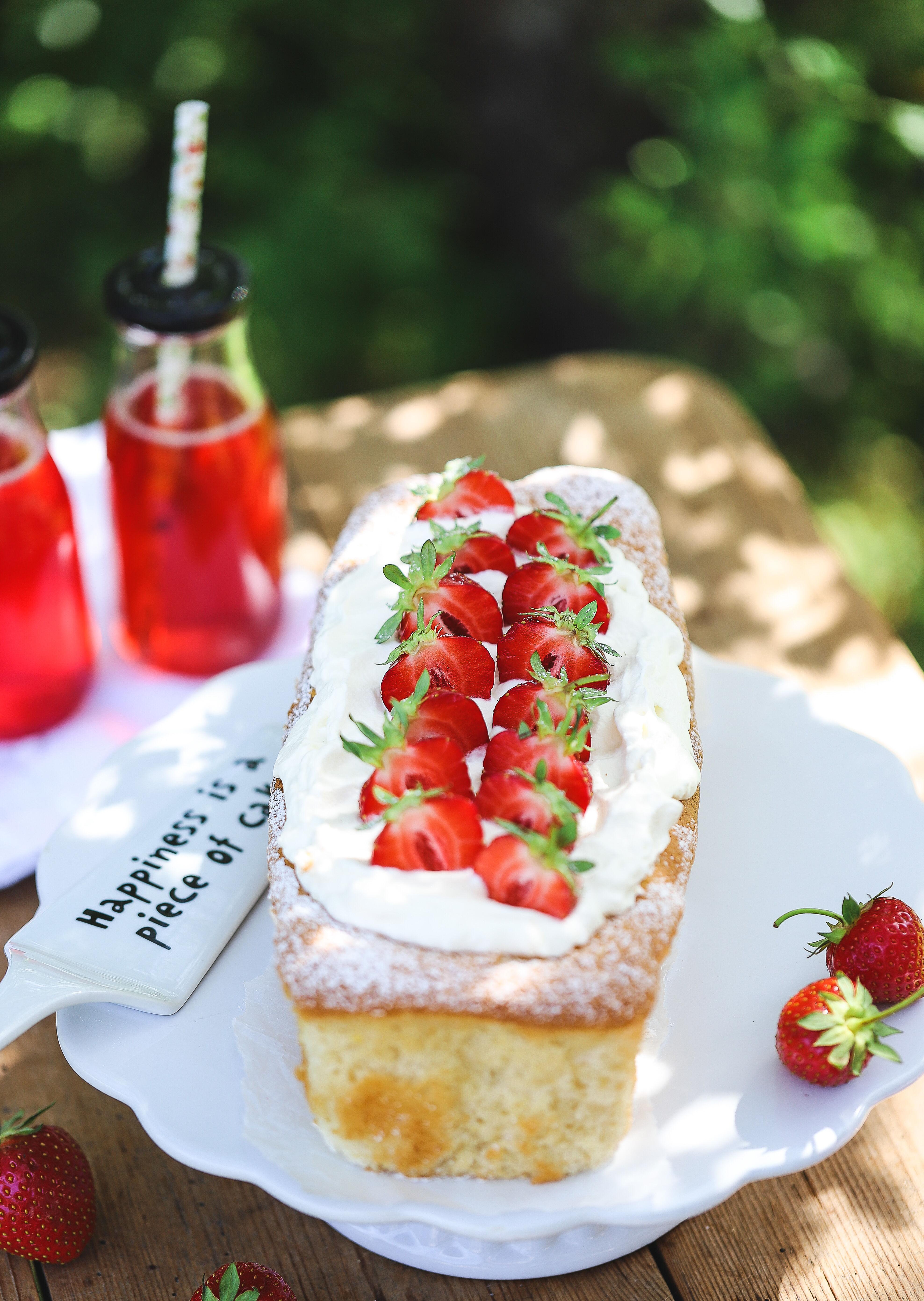 Sockerkakstårta