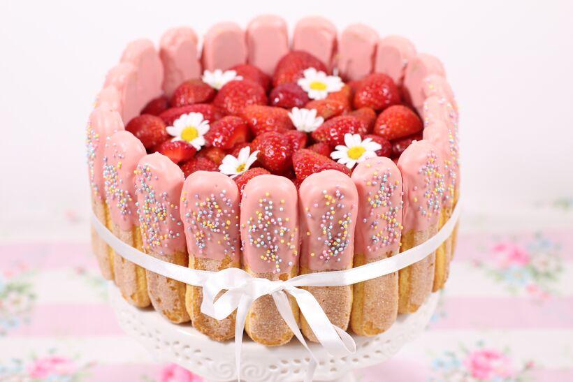 Jordgubbstiramisu-tårta