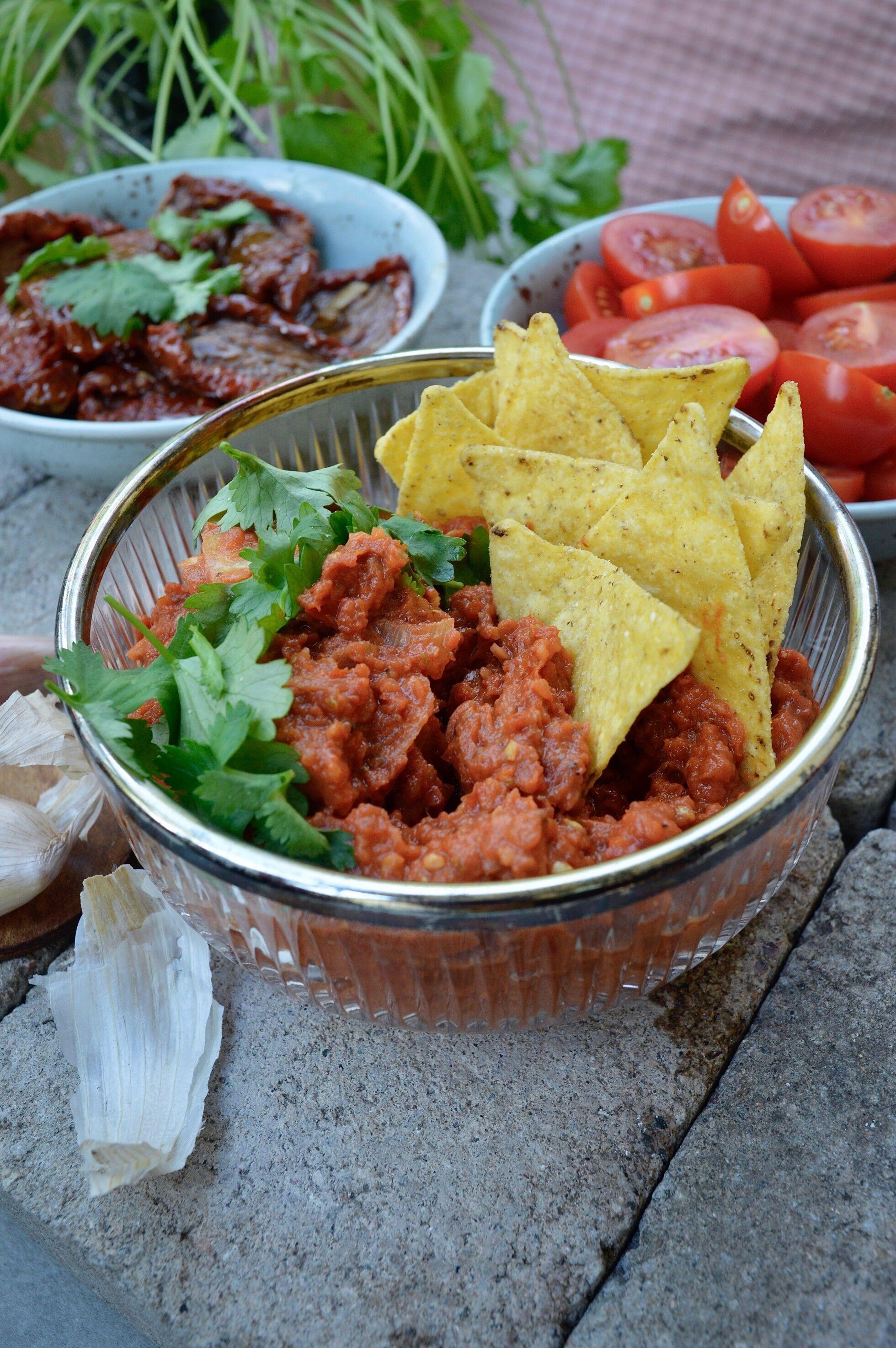 tomatsås med soltorkade tomater