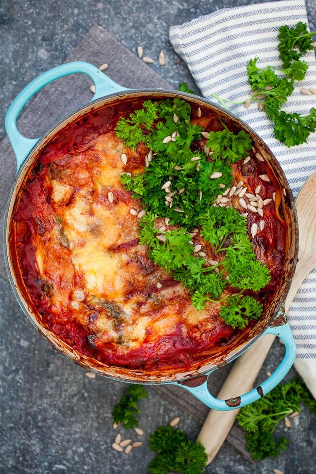 vegetarisk lasagne med halloumi och spenat