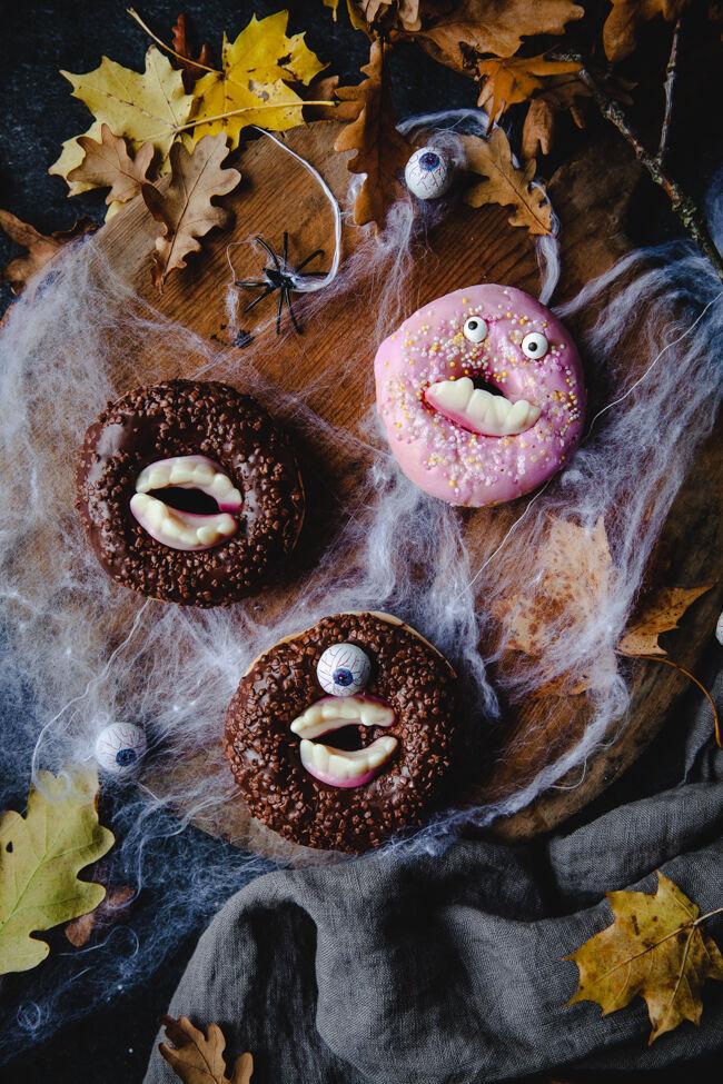 fika, halloween, munk. halloweenpyssel