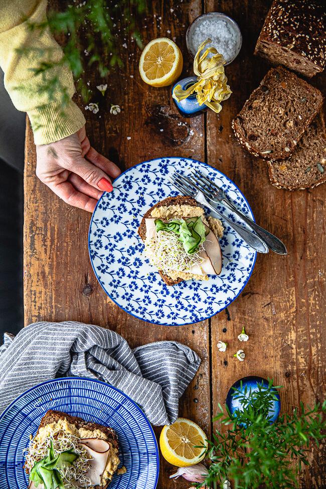 smörgås, extrarökt kyckling, Lönneberga, hummus gula ärtor