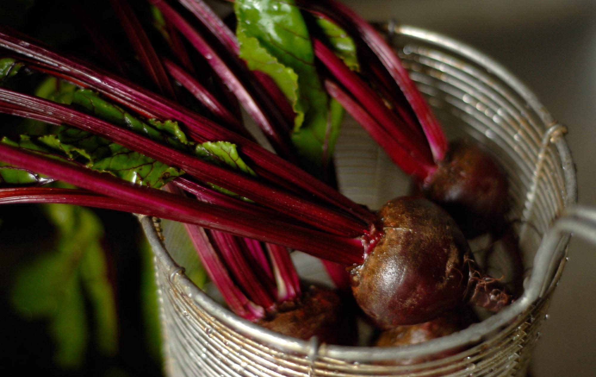 Fina färska rödbetor kokar snabbt.