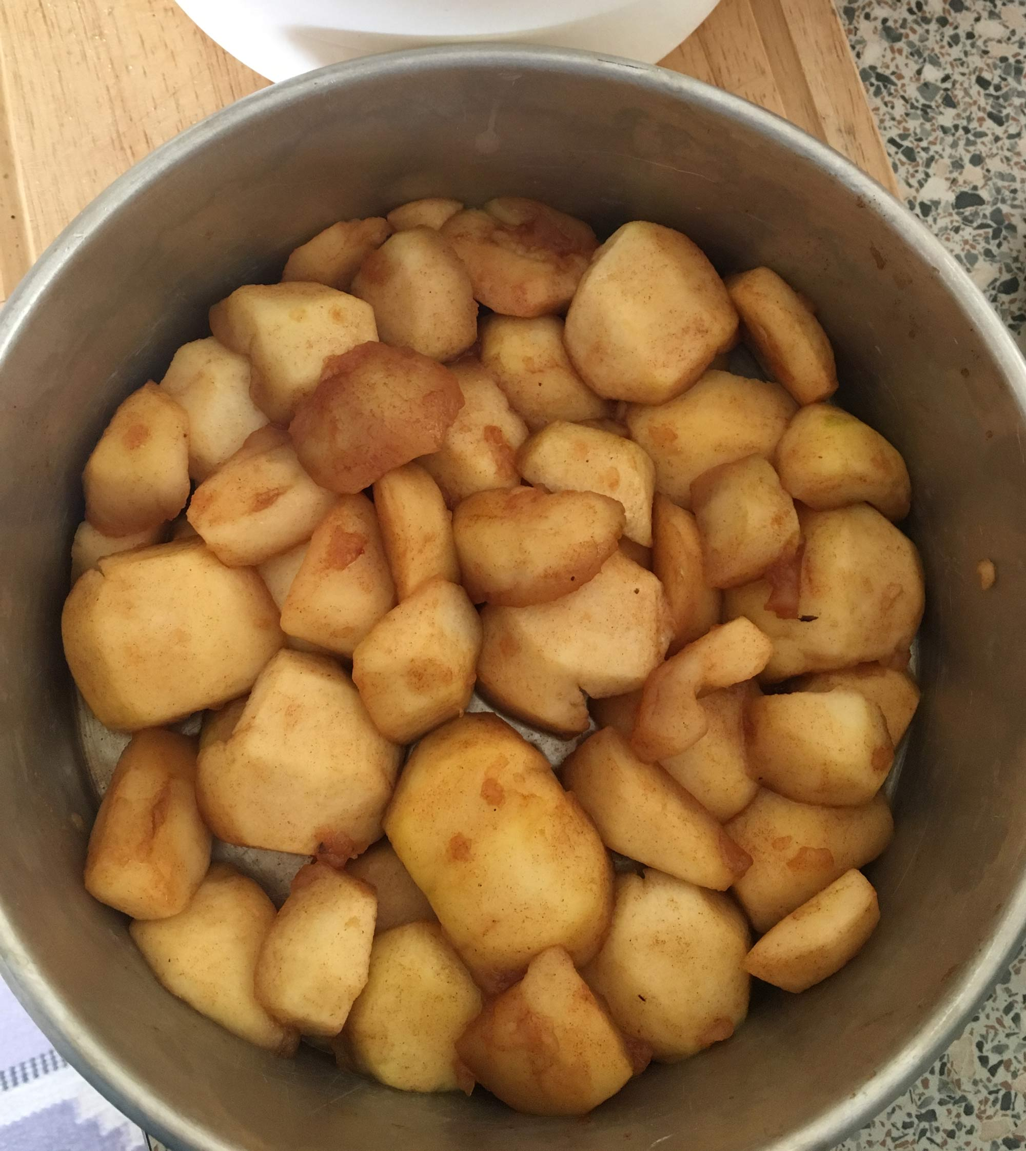 Baka äppelkaka