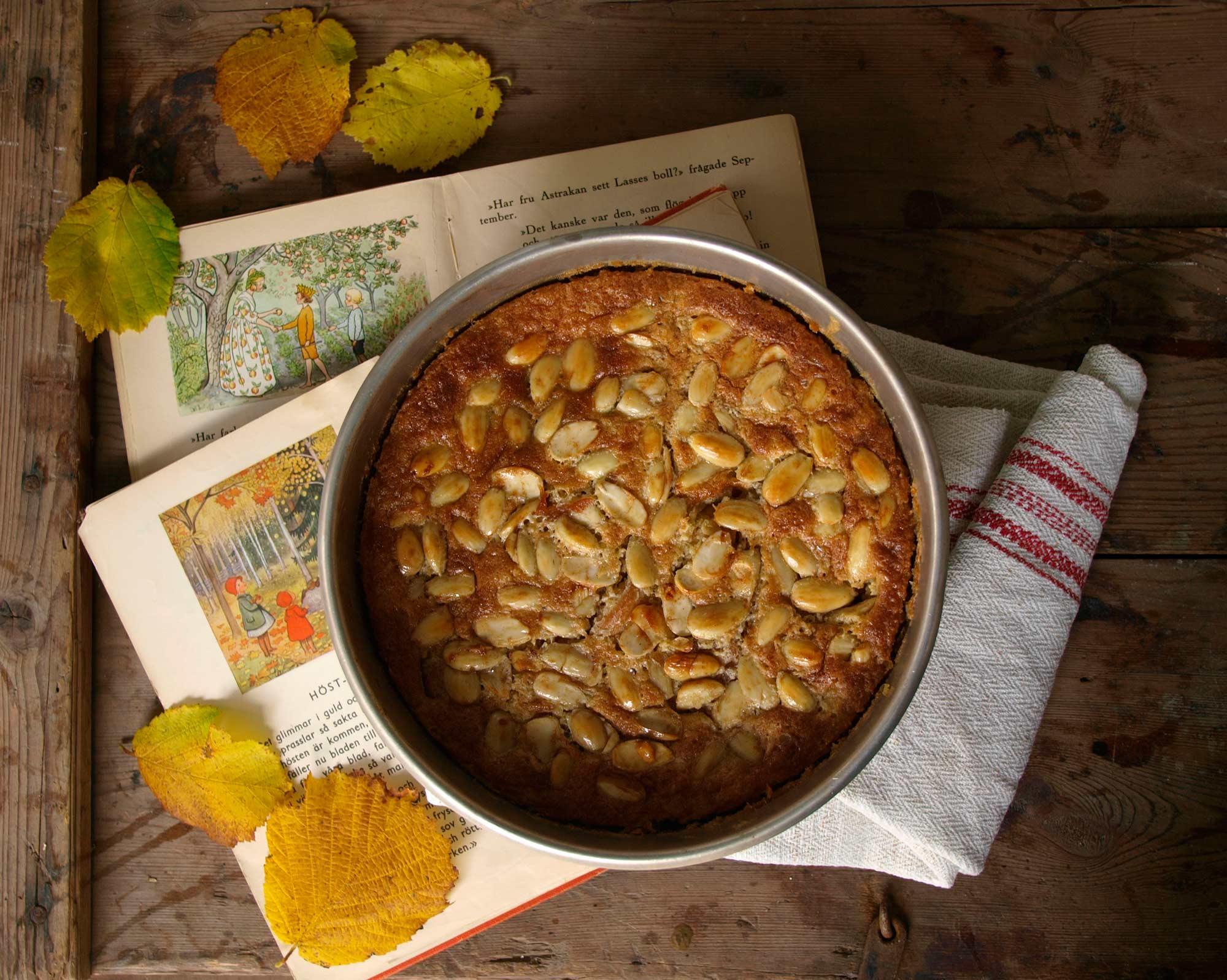 Äppelkaka med kanel och mandel