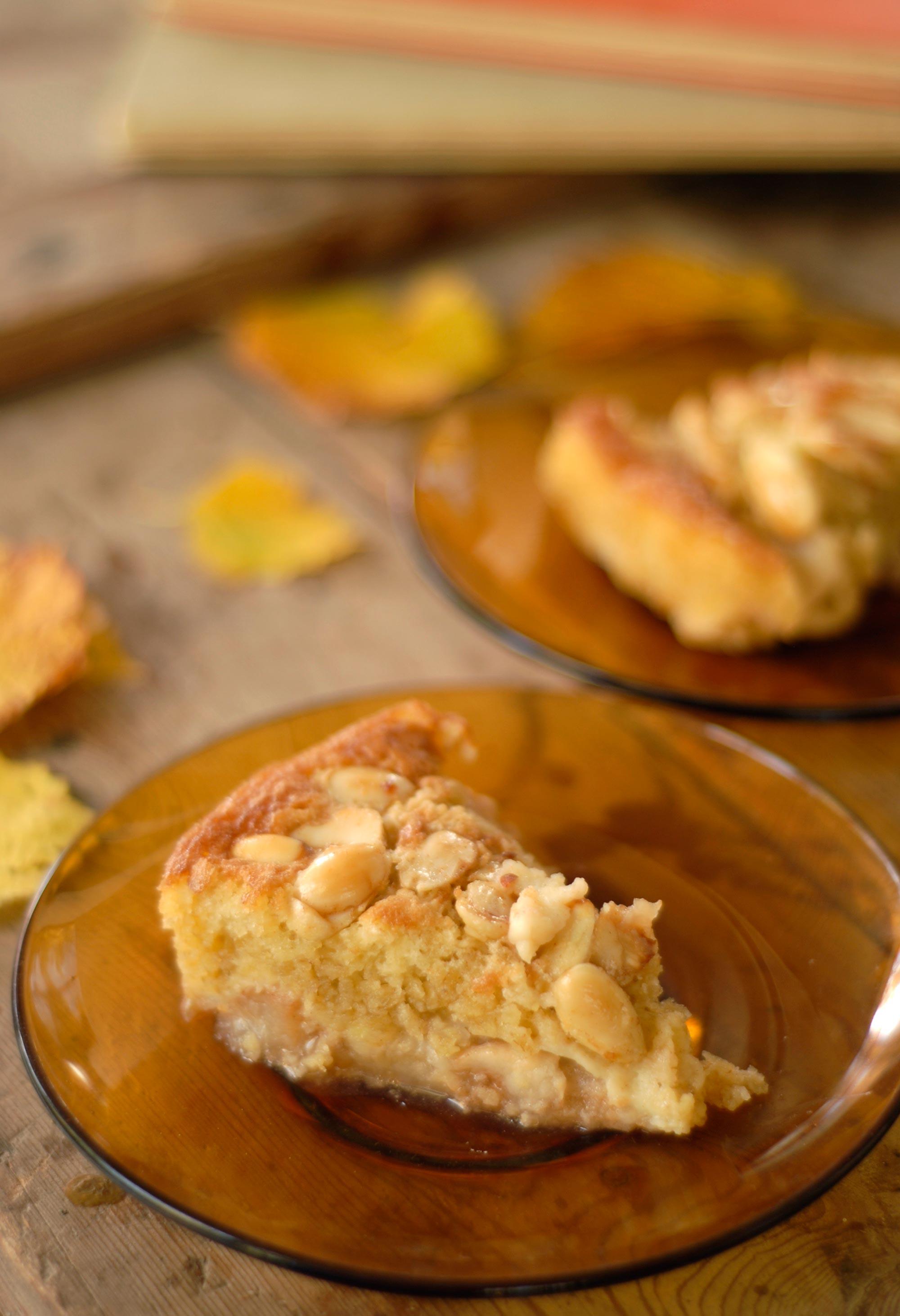 Äppelkaka med mandel, kanel och calvados