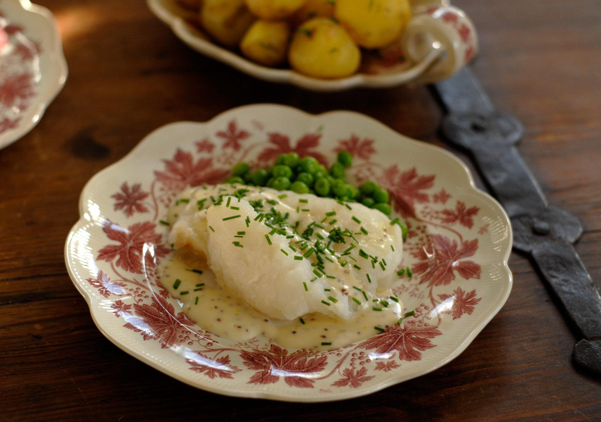 Lutfisk med vitvinssås och senap
