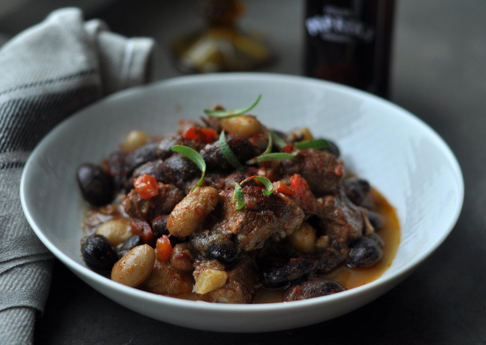 Recept på lammgryta med bönor.