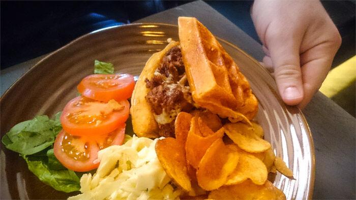 austin-food-works-waffle-burger