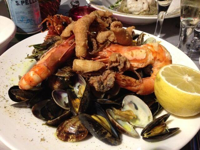 Grillade skaldjur, provencalska musslor