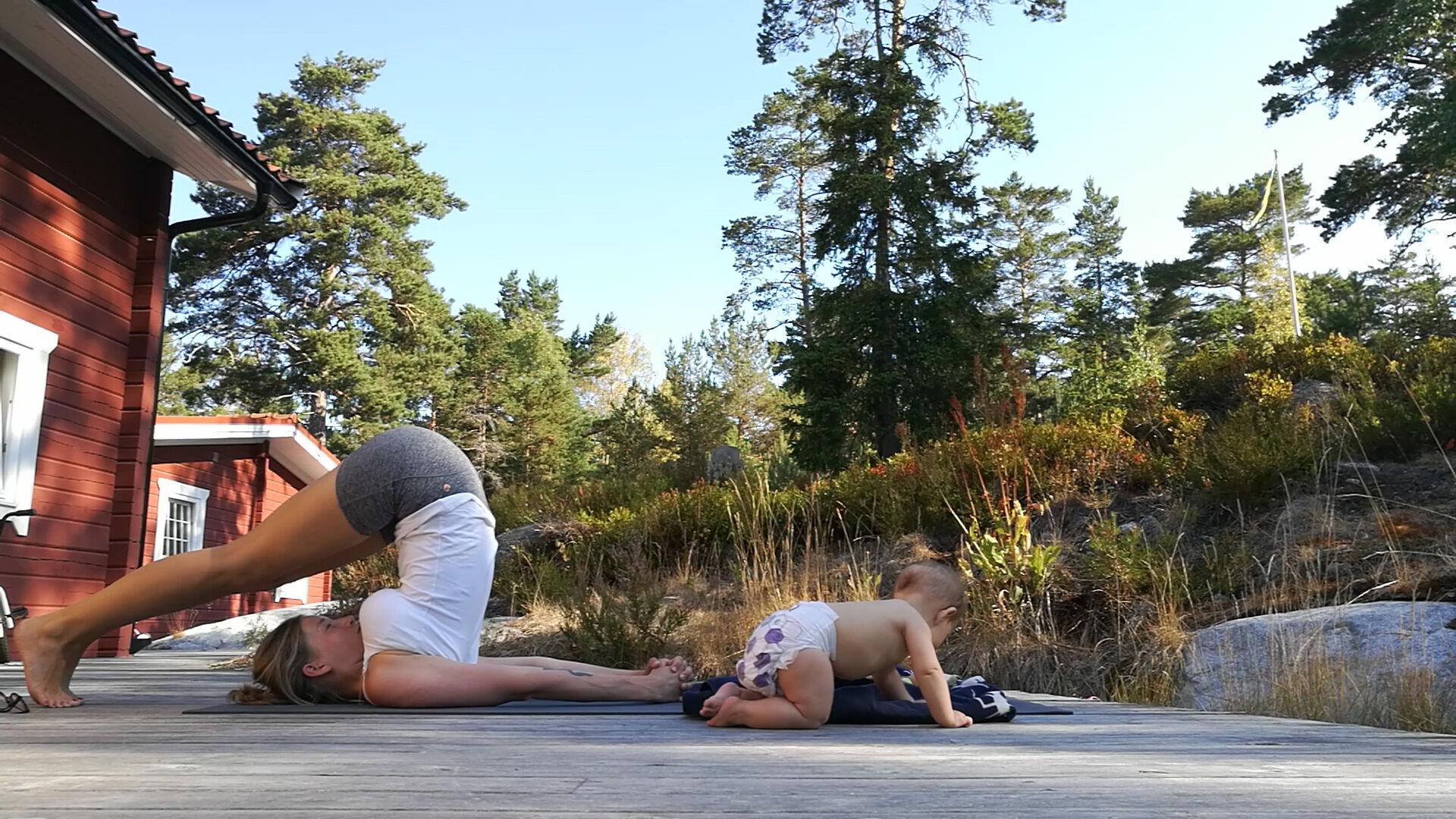 baby-yoga-lisa