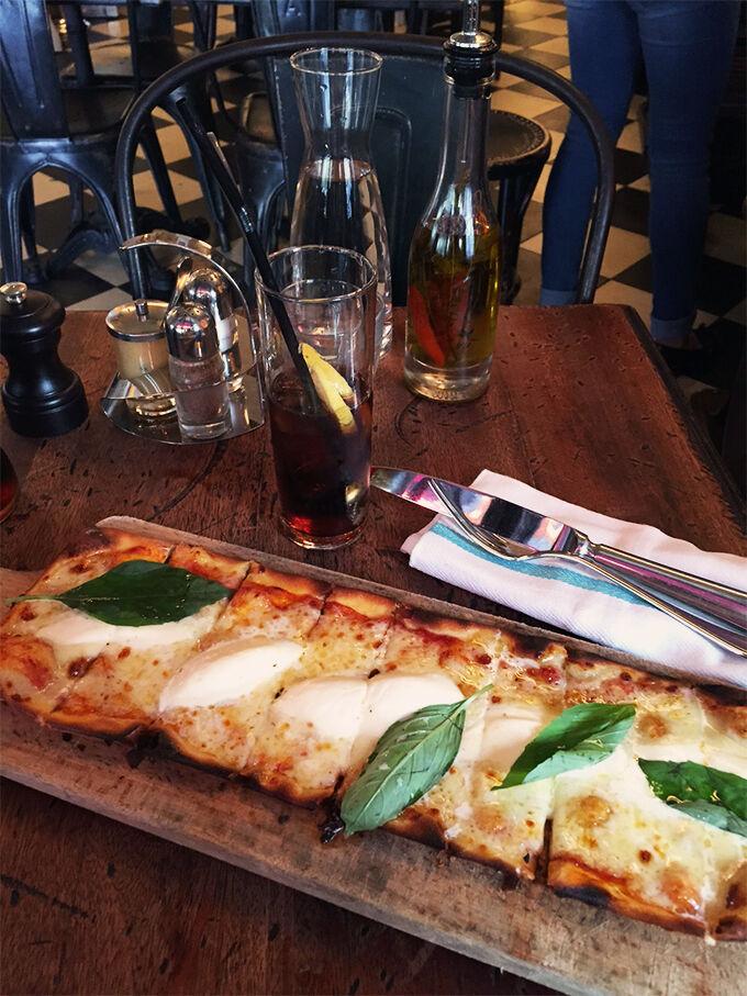 martina bonnier pizza i marais paris modevecka fashion week ss16