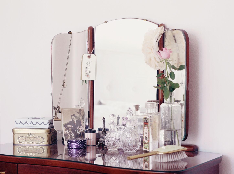 sminkbord emmas vintage vintageblogg laduree parfym parfymer