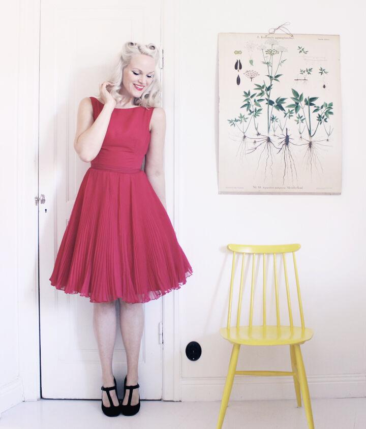 emmas vintage i hallonröd klänning