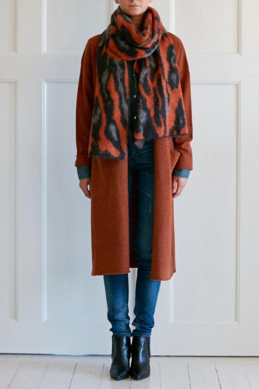 By Malene Birger Noah Scarf Dagmar Jamie Cardigan BLK DNM Jeans 22 Ostend Blue BLK DNM Jean Shirt 1 Edgemere Blue