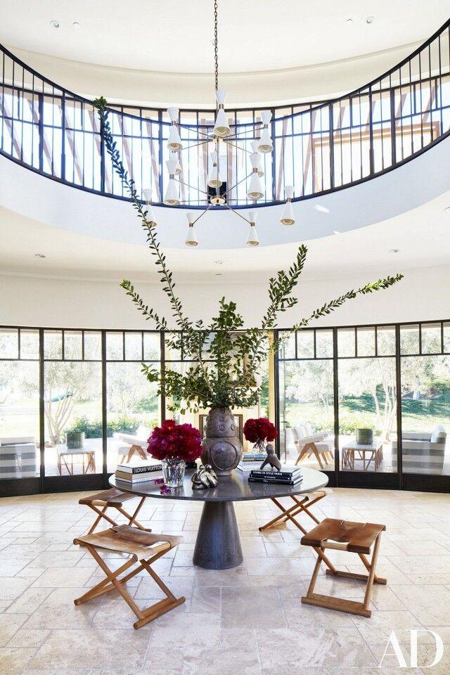 inside-kourtney-kardashians-stunning-family-home-in-california-1643331-1454435906.640x0c