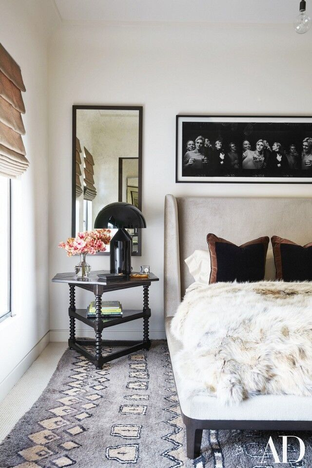 inside-kourtney-kardashians-stunning-family-home-in-california-1643332-1454435906.640x0c
