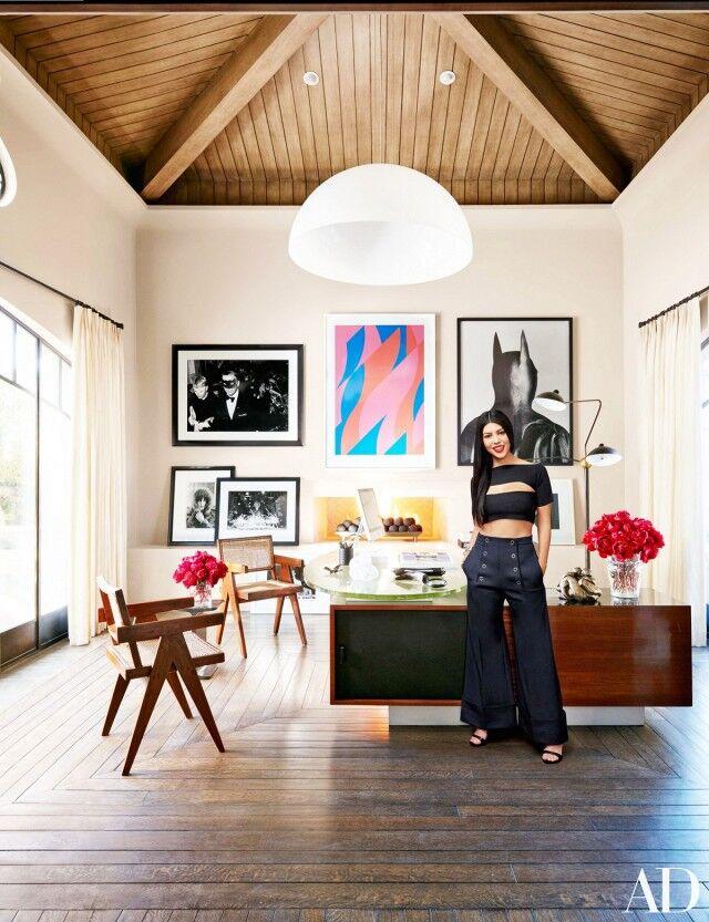 inside-kourtney-kardashians-stunning-family-home-in-california-1643333-1454435906.640x0c