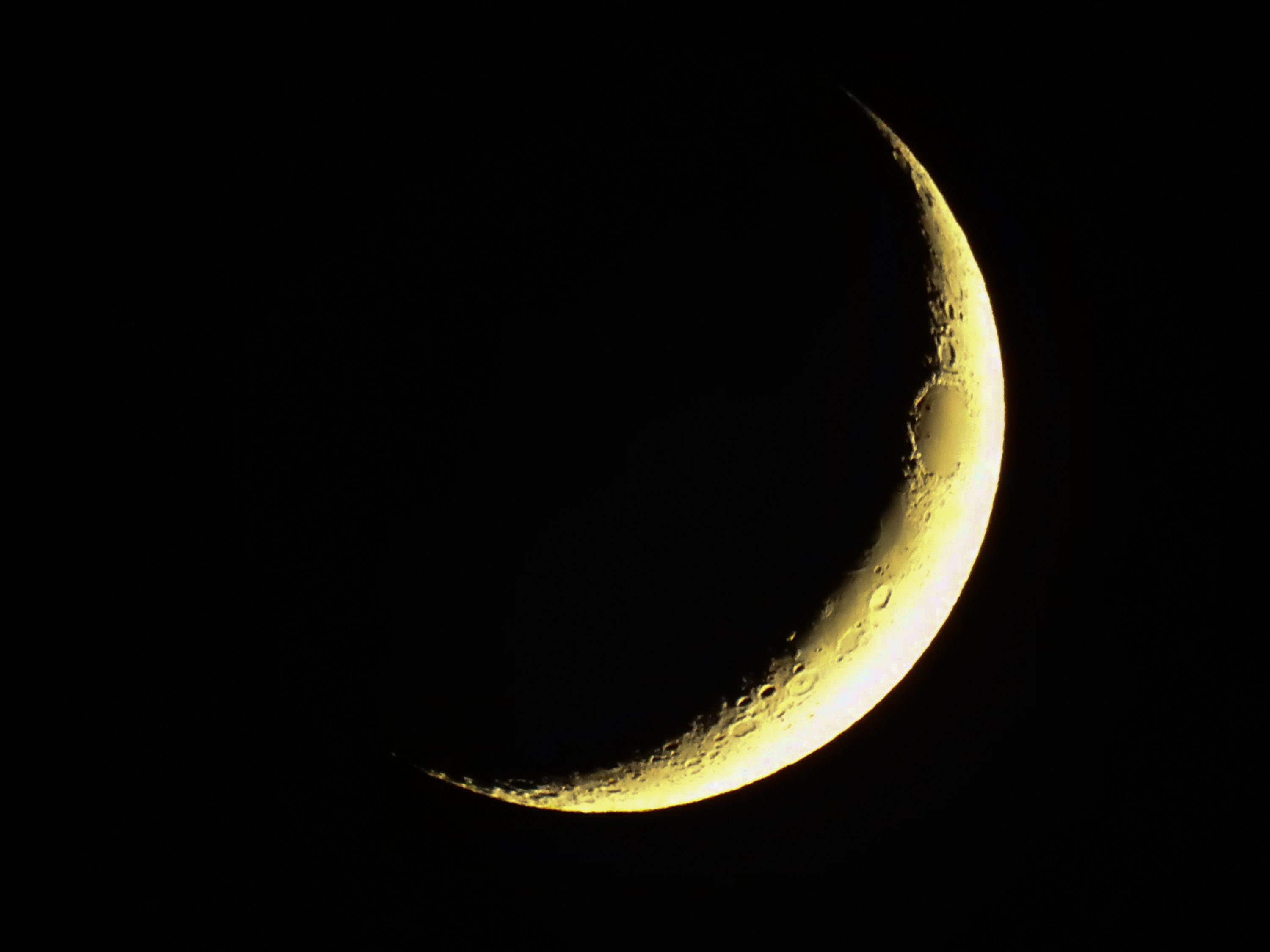 new-moon-royalty-free-image-853931564-1548955145