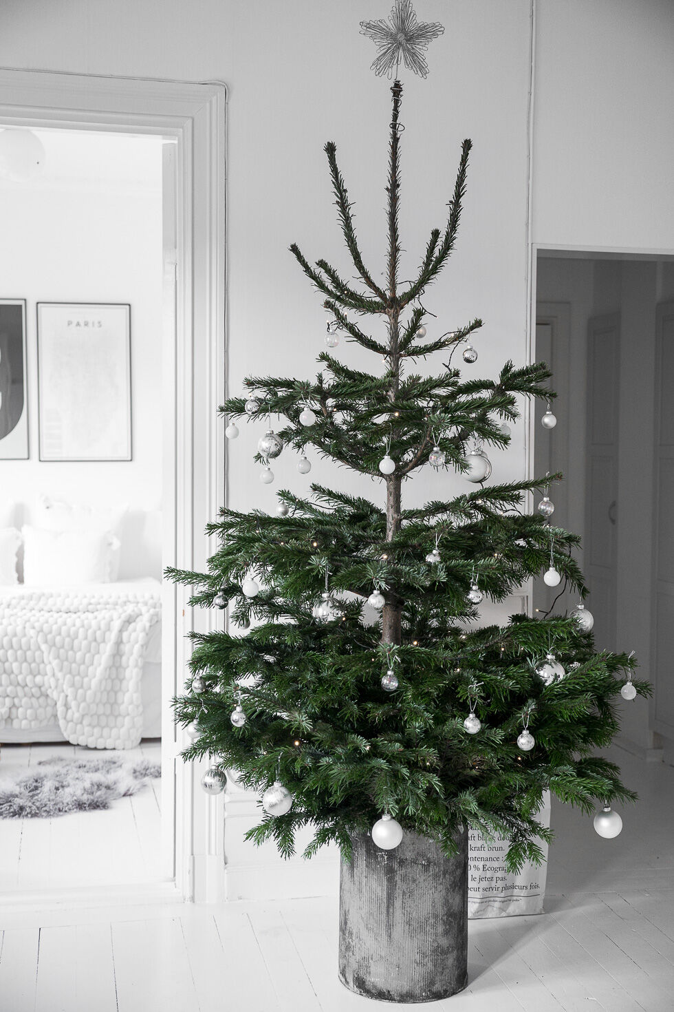 bykiki-interior-christmas