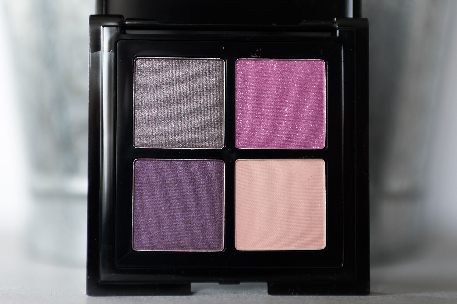 nyx full throttle eye shadow palette