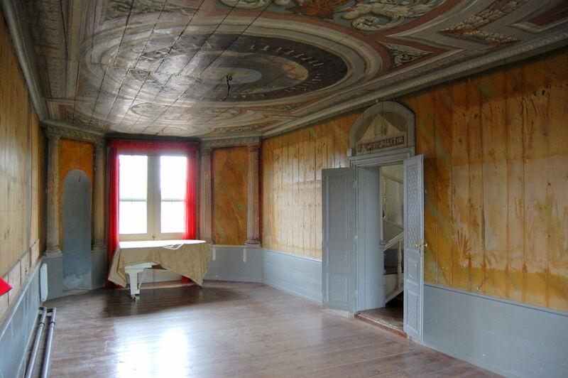 Väggarna är tomma i den Turkiska Salonen. Men någonstans på ett museum i Turkiet kommer det snart finnas en exakt kopia av salongen, inklusive dess fina tak, och de osmansk-turkiska tavlorna kommer att hänga på dess väggar.