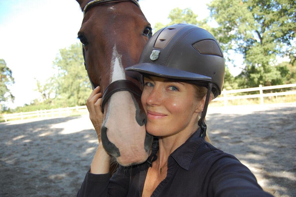 Så härligt att få mysa med en mjuk och varm mule.  Önskar er alla en fortsatt fin söndagskväll!