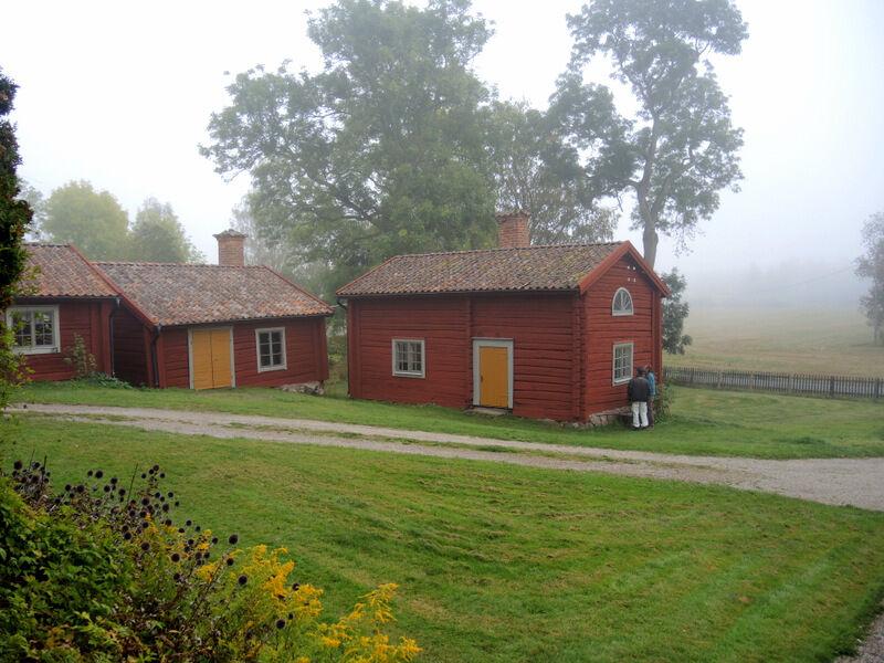 Det låg en vacker dimma runt prästgården när Kalle Anderberg kom hit för att inspektera i fredags.