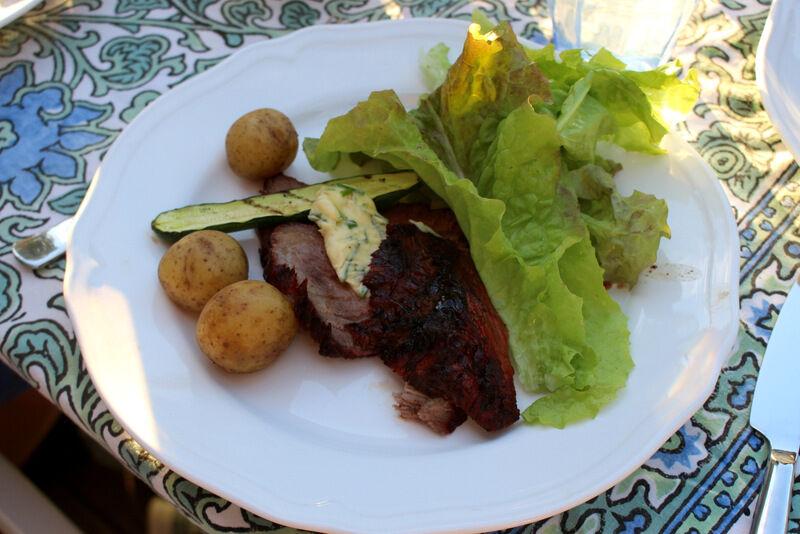 ekologiskt kött från grannen på Knutsta gård och grönsaker från egna landet.