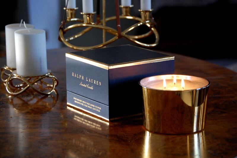 Lånade också med mig ett stort doftljus från Ralph Lauren på NK. Det kostar 899 kr och jag kan varmt rekommendera doften St Germain.