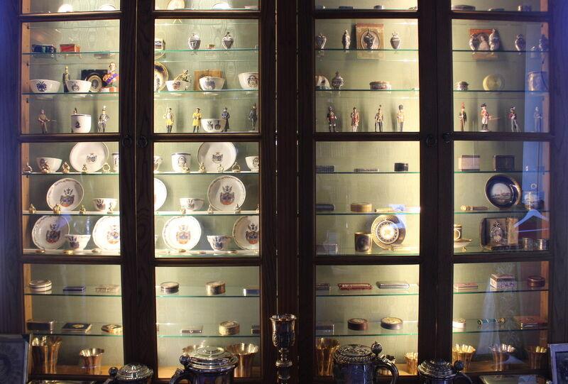 Robert Montgomery Cederhielm älskar att samla på antika föremål