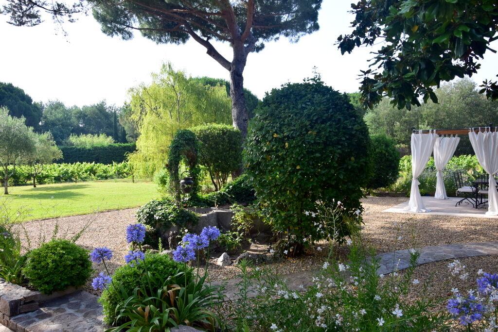 Men än så länge saknar han nog huset och trädgården i Saint-Tropez