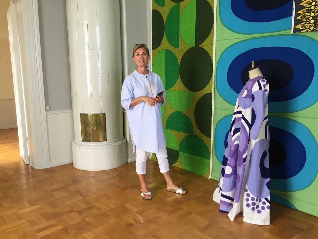 Där har hon bland annat haft utställning av nordiska textilmönster.