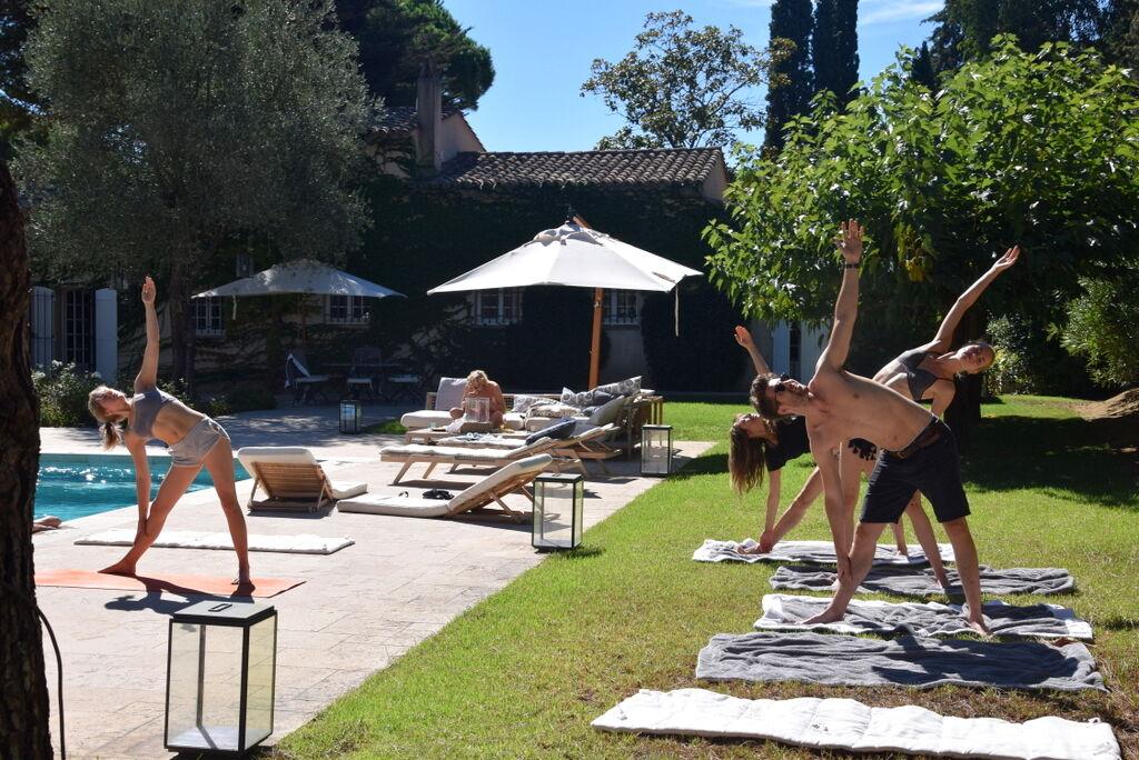 Varje dag blev det yoga, med Carinas dotter Malena som duktig instruktör.