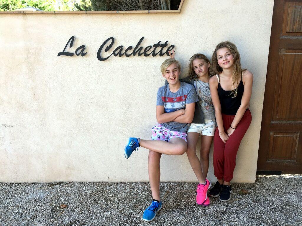 Jag bestämde mig redan tidigt i våras för att åka  söderut på min födelsedag, och det var så jag hittade villanLa Cachette. Även Adrian, Lovisa och Emmy stormtrivdes där.