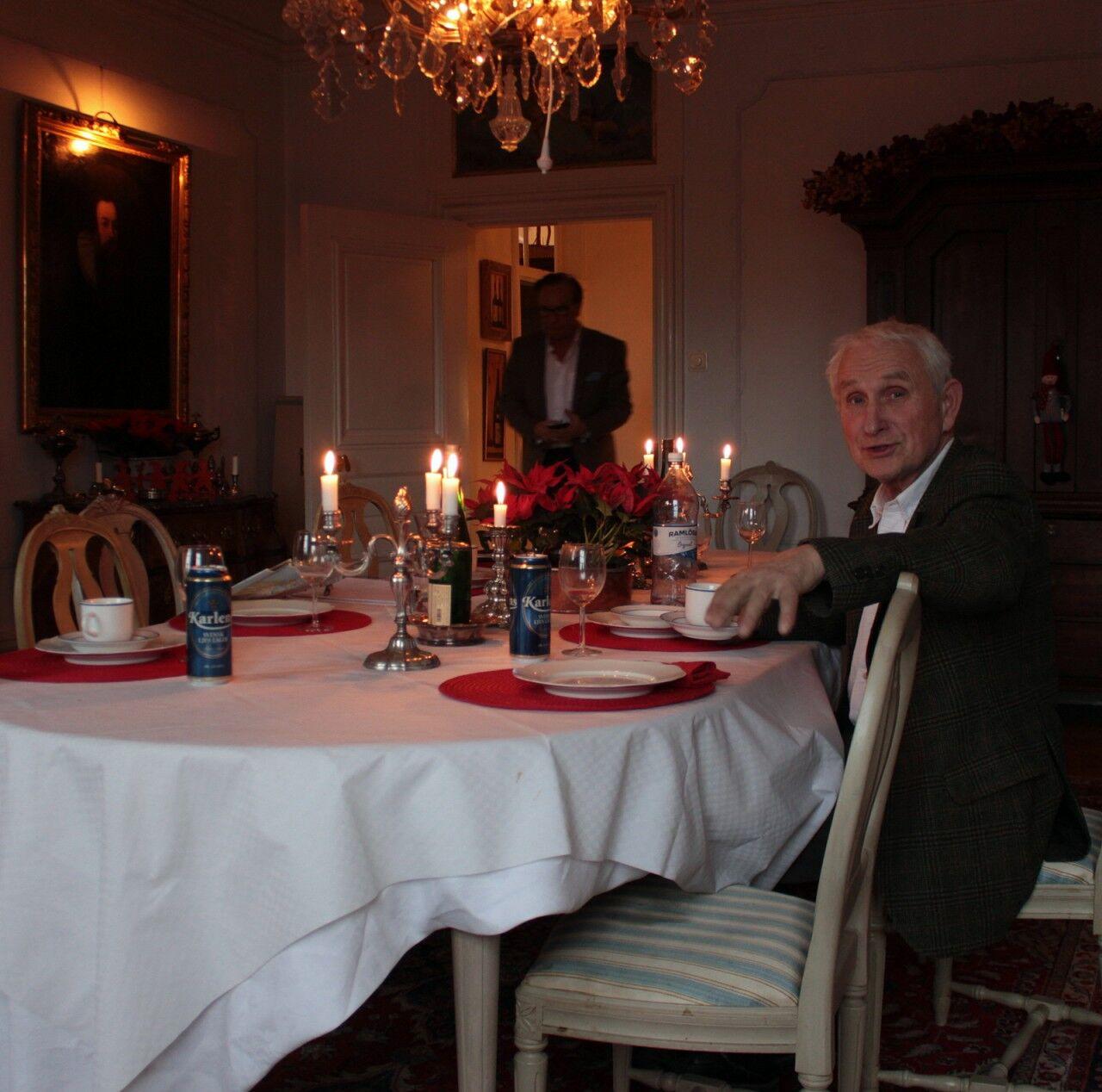 Där blev vi bjudna på jullunch och jag fick bland annat glädjen att träffa konsthistoriker och författaren Lars Sjöberg. I senaste numret av Gods & Gårdar medverkar han med en av sina nio herrgårdar.