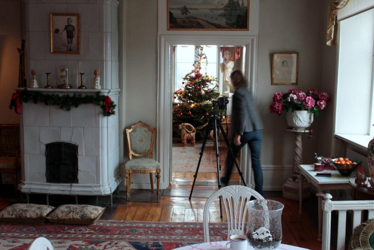 Carina och Emmy åkte hem och jag mötte upp Ingalill Snitt i en herrgård i storstockholm.