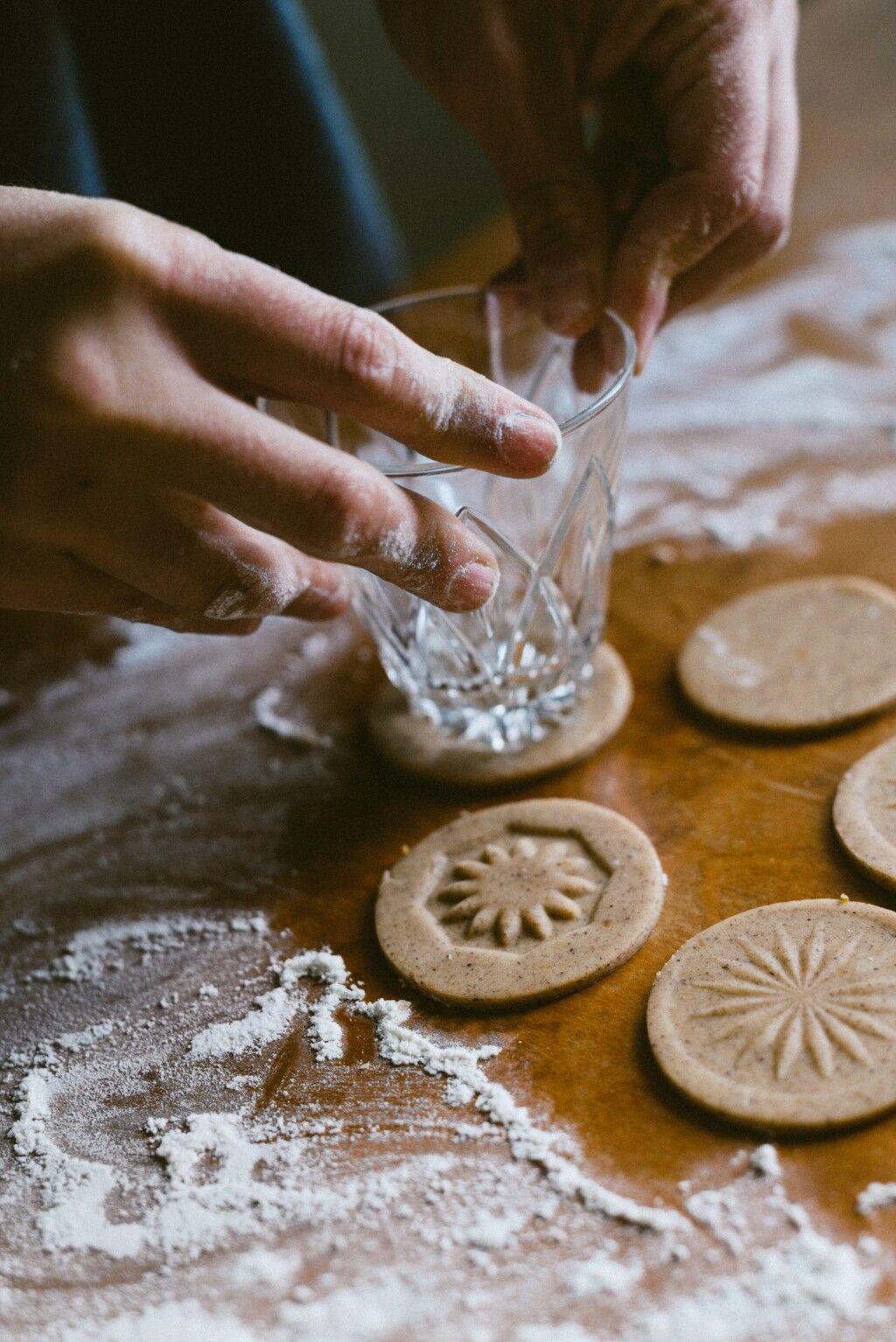 Babes_in_Boyland-winter_cookies-2