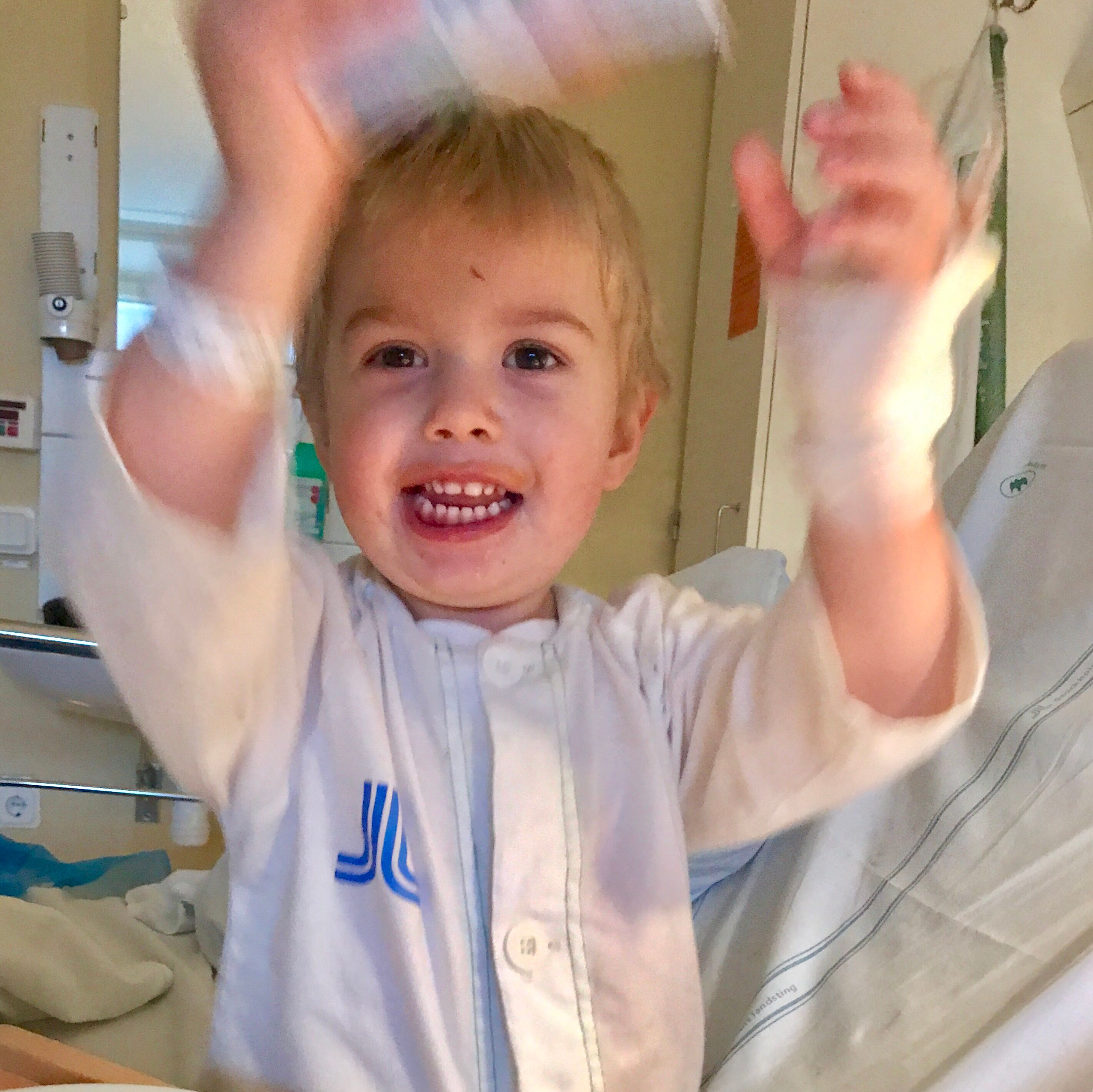 Harry applåderar Huddinge sjukhus
