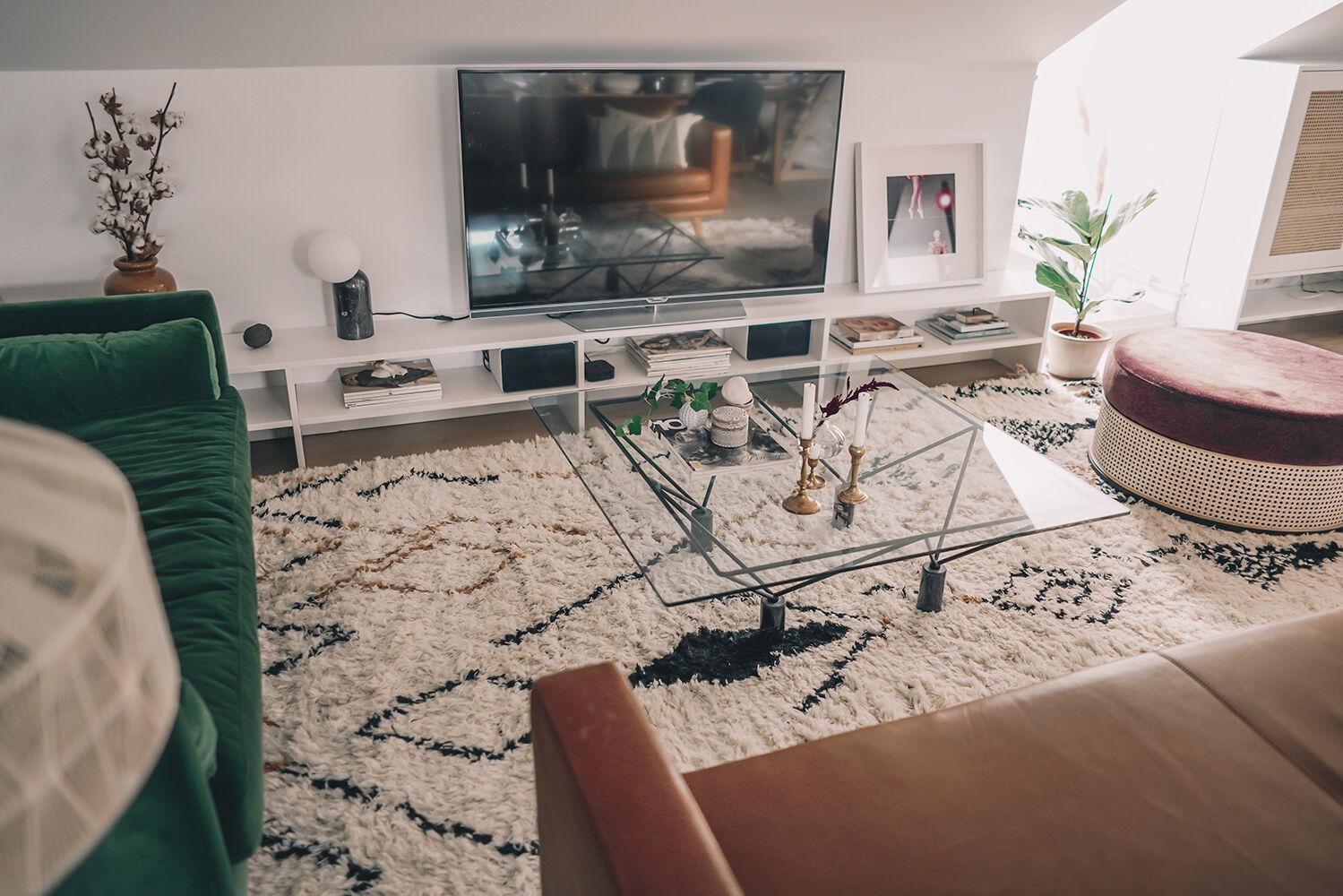 vanja wikström vardagsrum layered matta inredningsinspo