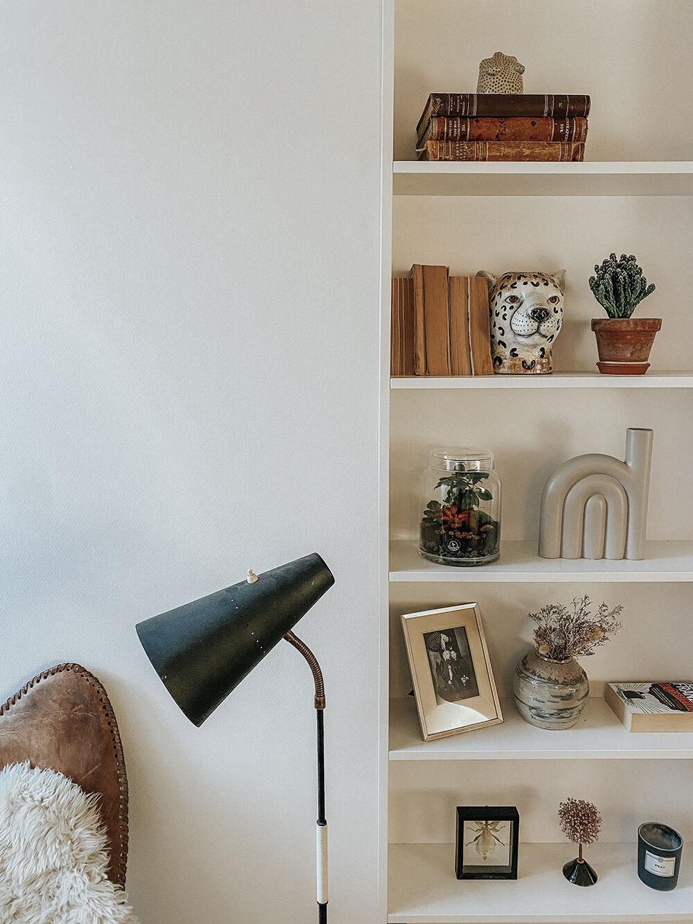 vanja wikström lägenhet inbyggd bokhylla inspiration