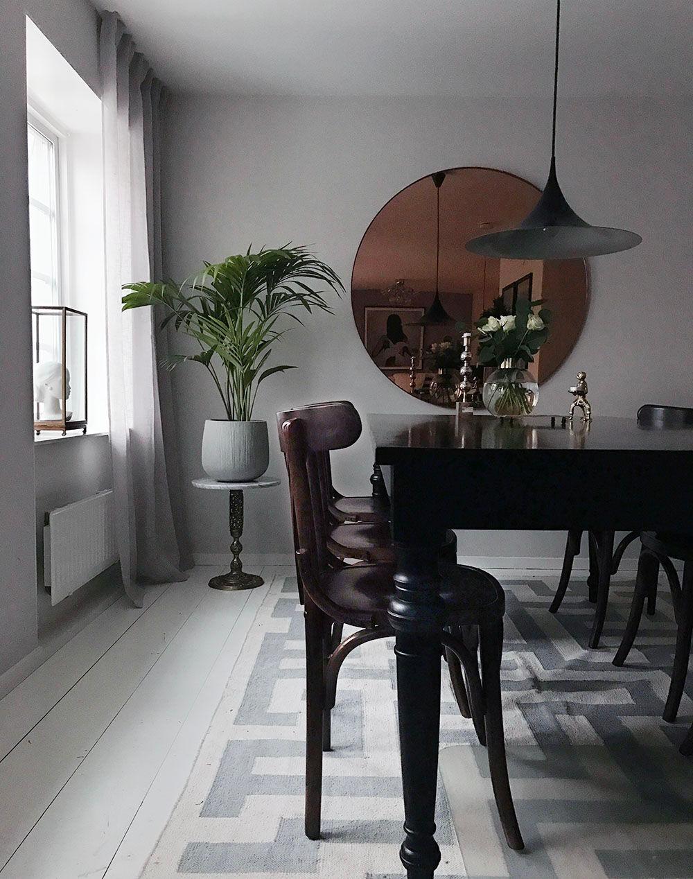 piedestal addsimplicity matsal-Återställd