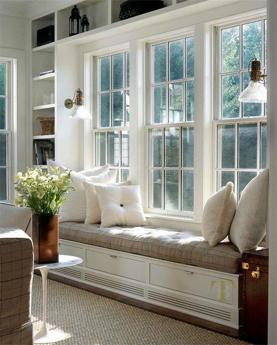 simplicity svart vit beige