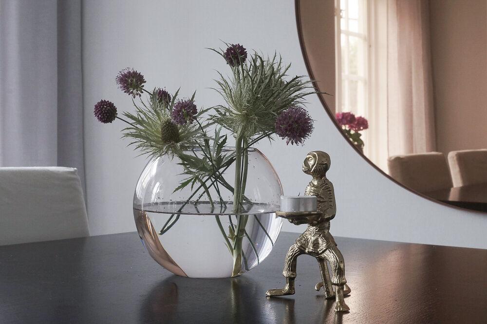 matsal-tapet-spegel-matsalbord-gardin-2