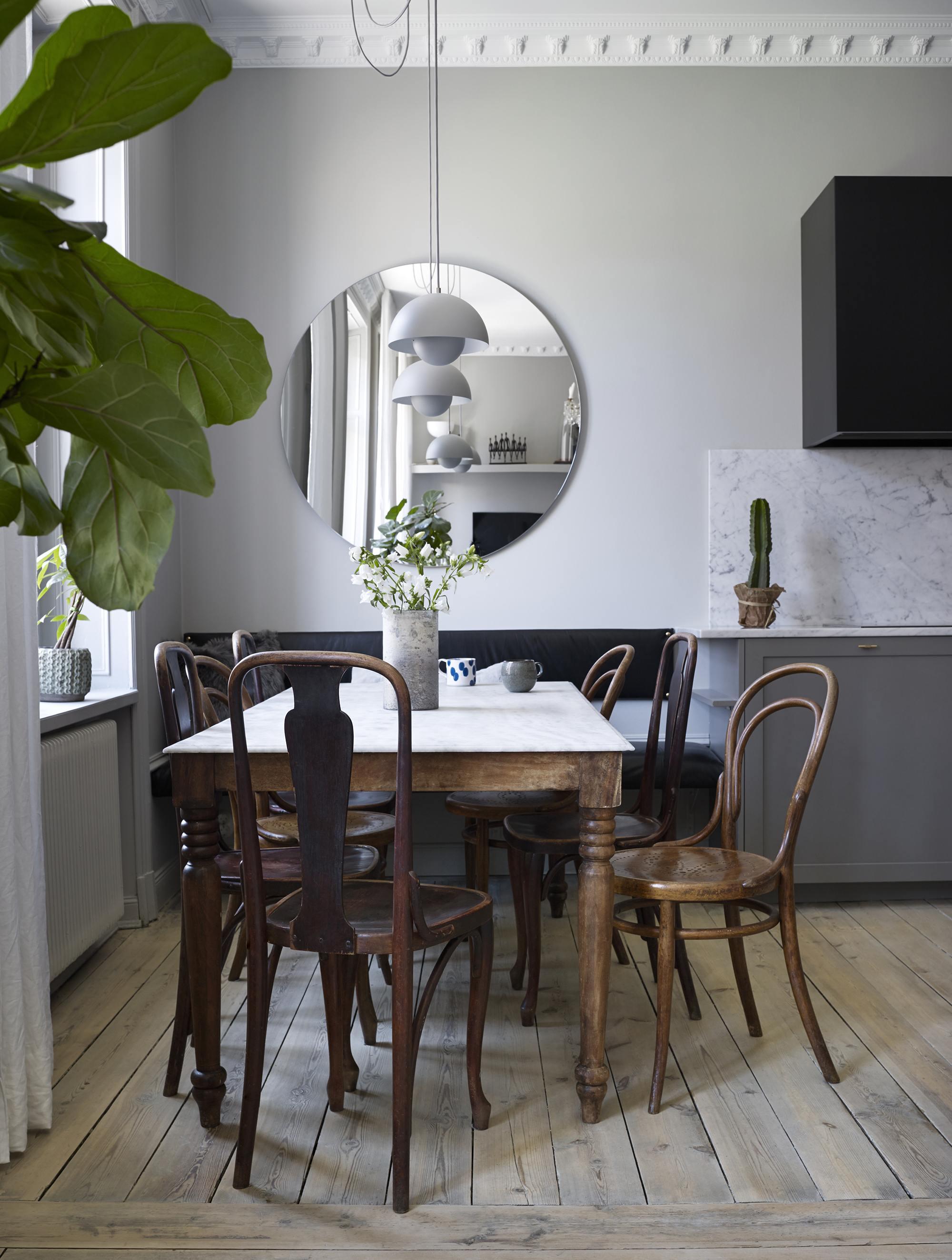 matbord-matrum-kok-vardagsrum-oppenplanlosning-stolar